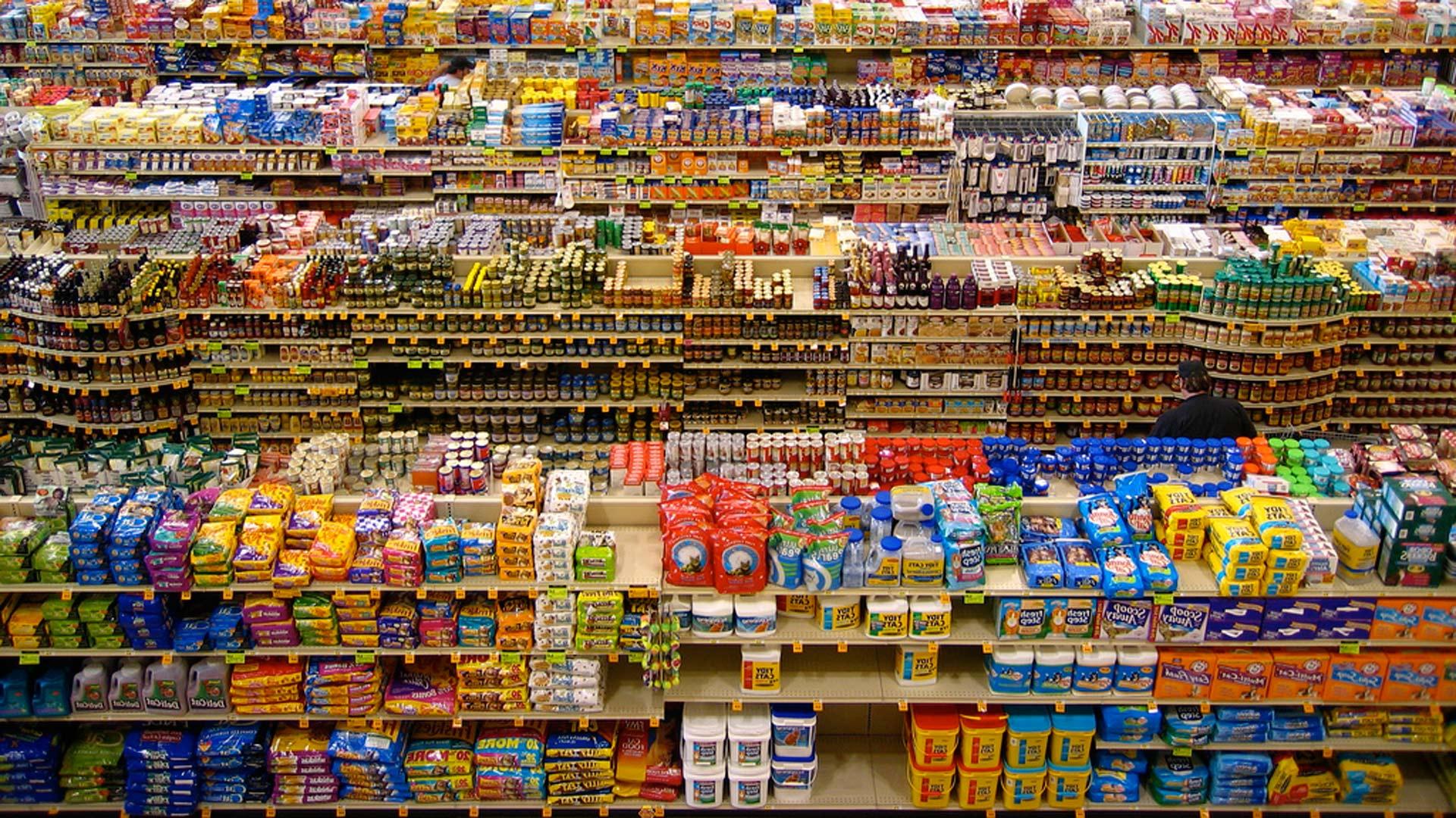 supermercado abarrotado